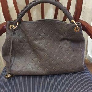 Authentic Louis Vuitton Artsy MM leather bag